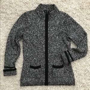 DALIA // Cozy Black and White Cardigan